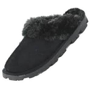 6e031d8d5f0cf Les chaussons pour femme Jyoti Noir adoptent le style « mules » pour que  vous puissiez l enfiler en toute facilité dès votre réveil ou après une  journée ...