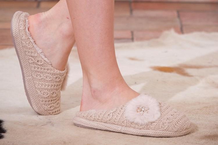 136c9a21149ad Suivez de près les recommandations spécifiques pour votre chausson en daim  ou en cuir