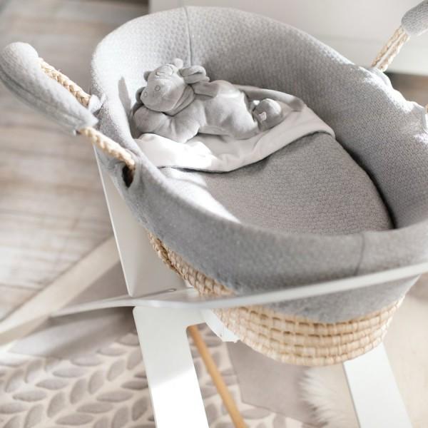 300f5e4eda65b Comment choisir un matelas pour bébé dans ce comparatif  Bébé dort en  moyenne 16 heures sur 24 par jour