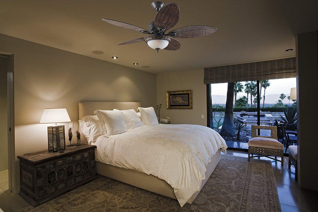 ventilateur-de-plafond-avec-eclairage