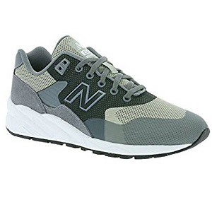 5ad28af372c60 Commençons par le côté esthétique de ces baskets New Balance 580 pour homme.  Elles sont de couleur gris, avec différents tons de gris, qui en font des  ...