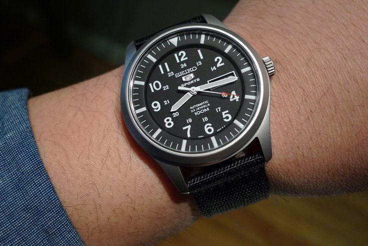 a73b28d2d3 Voulez-vous savoir comment acheter une montre automatique d'un meilleur  rapport qualité-prix ? Cap sur trois critères essentiels à prendre en  compte.