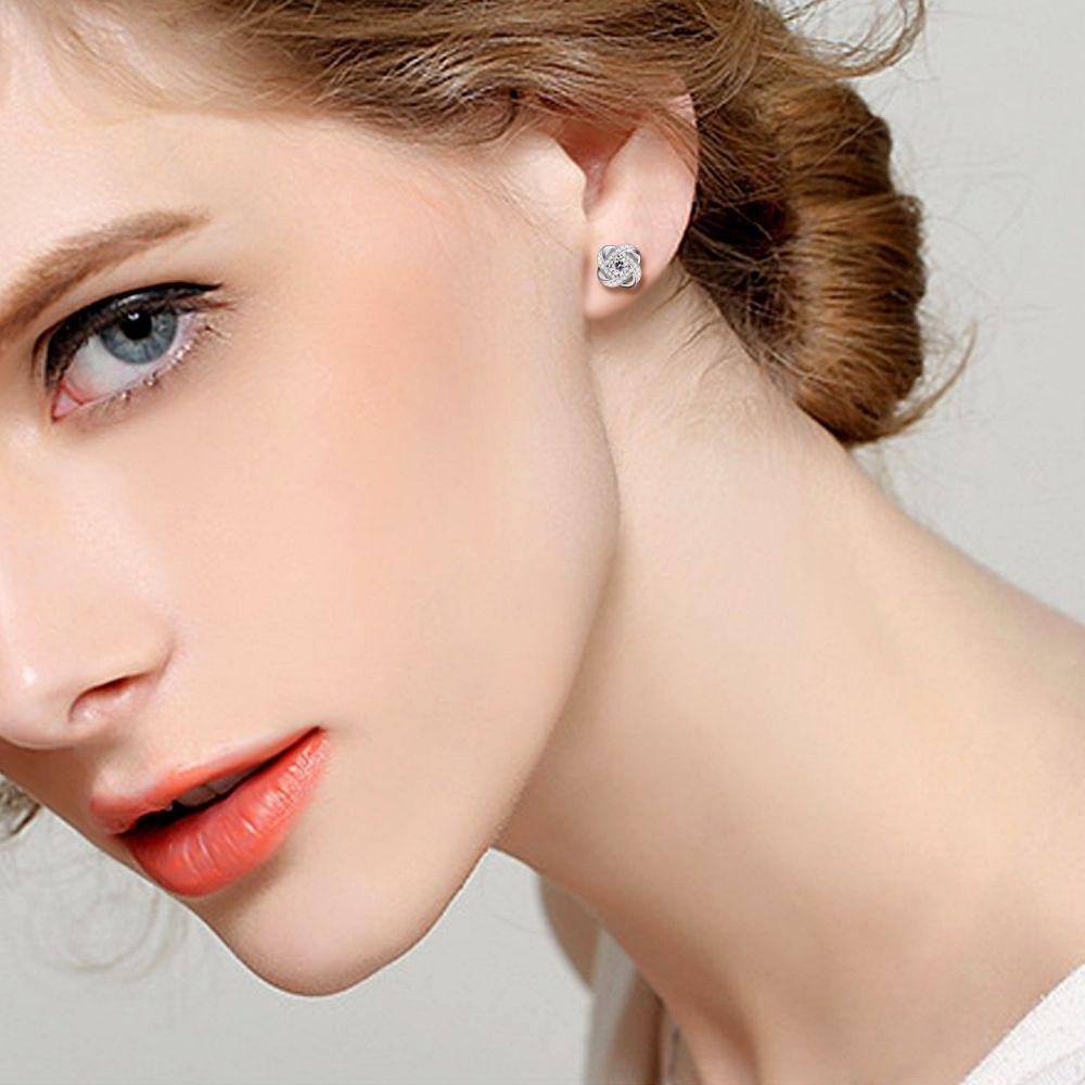 39130f25dfe6 Retrouvez dans ce guide d achat pour les meilleures boucles d oreilles  quels critères considérer pour l achat de ces bijoux.