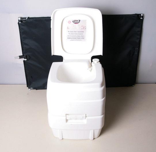 toilette chimique portable guide d achat pour en choisir une bonne en nov 2018. Black Bedroom Furniture Sets. Home Design Ideas