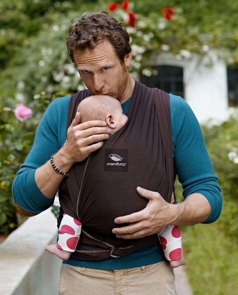 ... pour bébé. Dans le pire des cas, le tissu pourrait se déchirer dans le  dos de maman sans qu elle s en rende compte. Ou encore le nœud pourrait se  ... eabb1ffc86b