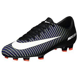 c3d38409b9afe3 Le modèle de chaussure de foot Nike 83194-013 n'est peut-être pas la  meilleure chaussure de foot, mais elle présente quand même différents  points positifs.