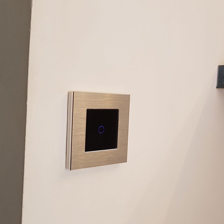 classement guide d achat top interrupteurs muraux en sept 2018. Black Bedroom Furniture Sets. Home Design Ideas